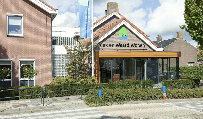 • Het kantoor van Lek en Waard Wonen in Nieuw-Lekkerland.