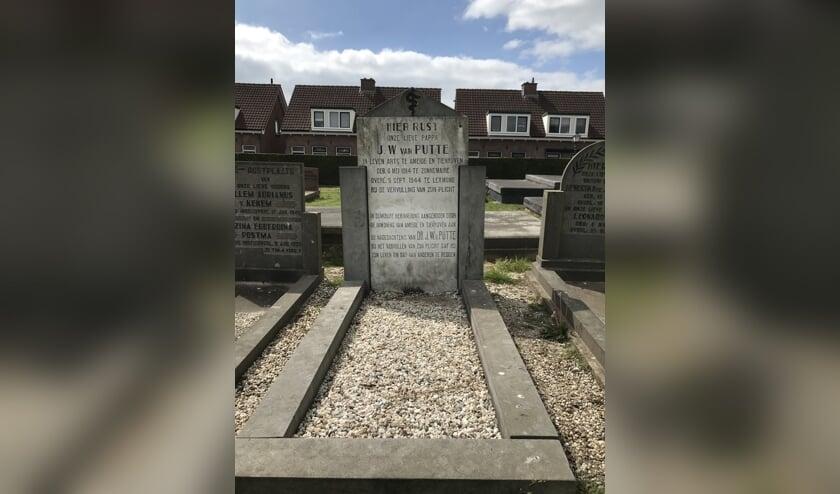 • Het graf van J.W. van Putte.