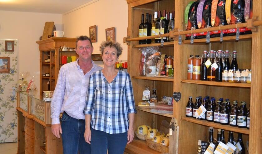 Edwin en Marianne de Groot openden Het Woerkums Winkeltje in Woudrichem.