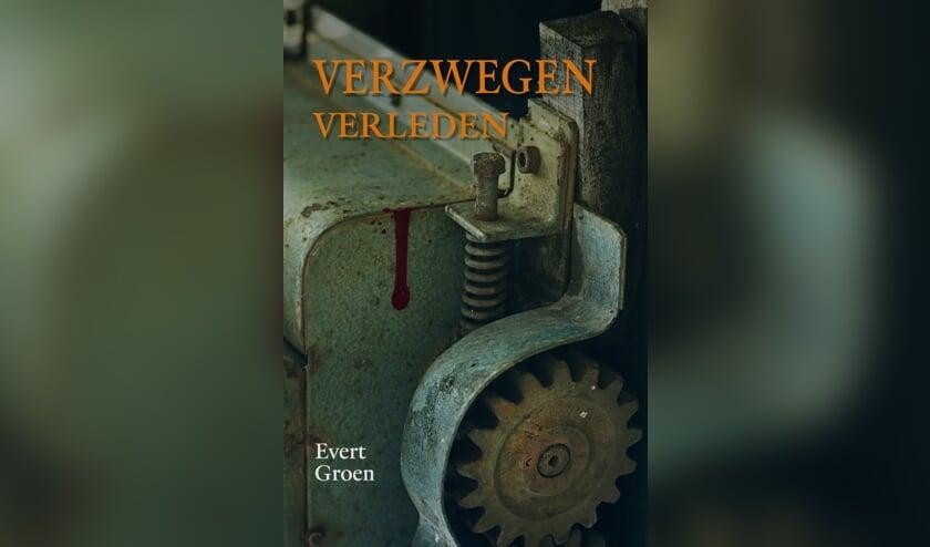 • De cover van Verzwegen verleden.