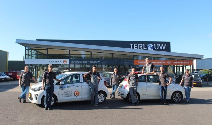 • Medewerkers van Carteam Autobedrijf Terlouw.