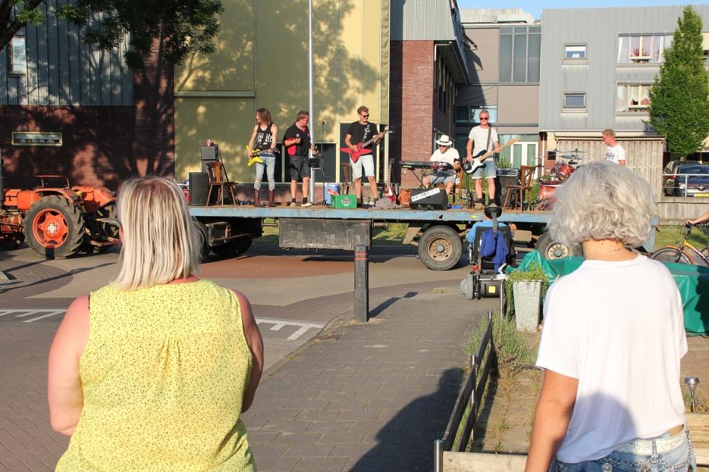 • Niks aan de Zeis in Bleskensgraaf. Foto: Bert Bons © Alblasserwaard