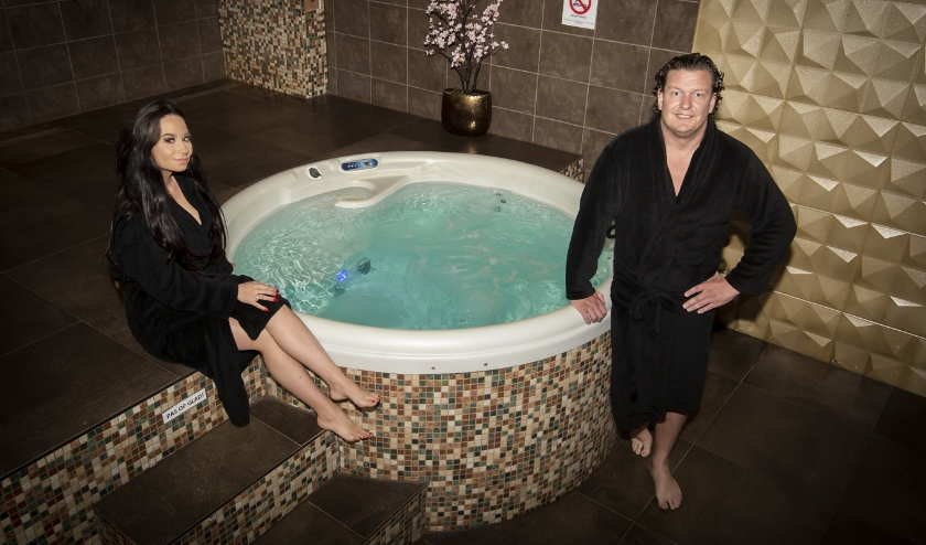 • Patricia en Wesley van Elderen exploiteren een tweetal luxe privésauna's in Stolwijk.