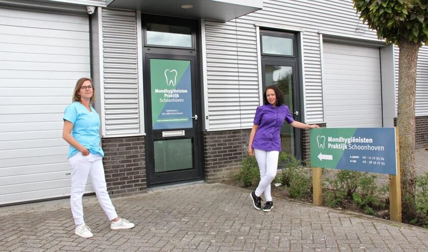 • Gabry Cijs en Angela Jaquet voor hun Mondhygiënistenpraktijk Schoonhoven.