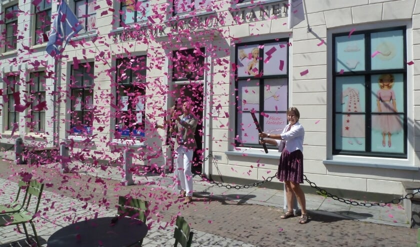 • 2e Pinksterdag, klokslag 12.00 uur. Het Stedelijk Museum Vianen wordt feestelijk heropend.