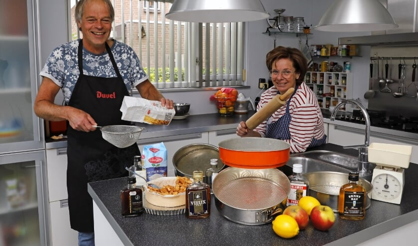• Roel Leeuwis en Christine van den Heuvel.