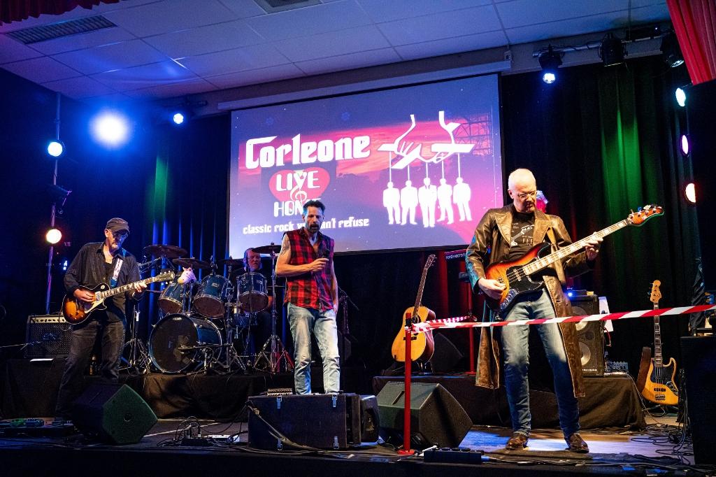 Corleone Live @ Home Foto: Nico Van Ganzewinkel © Vianen
