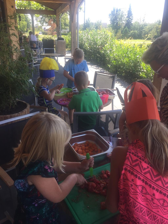 Kinderen maakten zelf alle gerechten. Foto: Hoppas  © Heusden en Altena