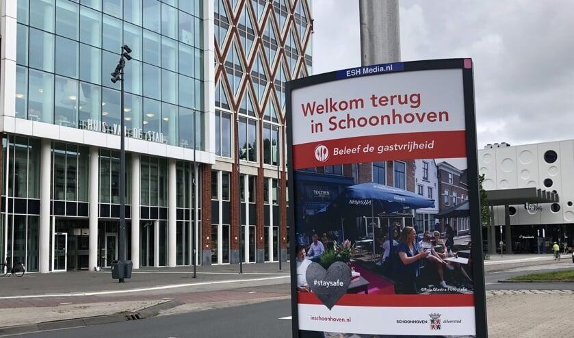 • Schoonhoven geeft Gouda koekje van eigen deeg.