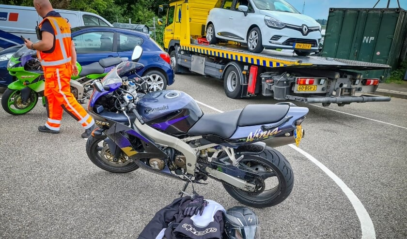 • De motorrijder raakte gewond en moest naar het ziekenhuis.