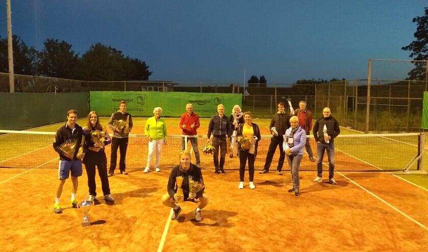 • De clubkampioenen van TC Leerbroek.