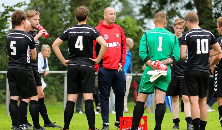 <p>• GJS-trainer Marco Verbeek.</p>