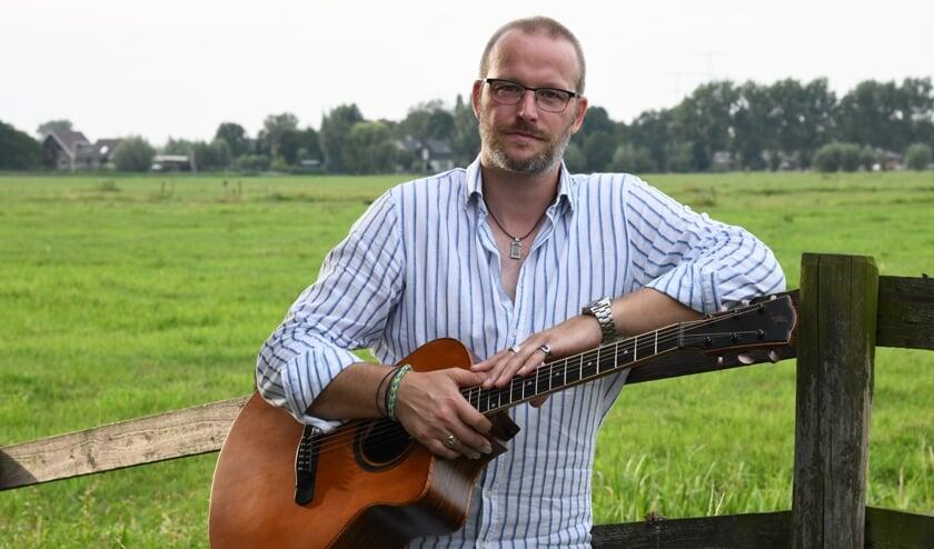 • Gitarist/zanger Jeroen Janssen verzorgt een gastoptreden.