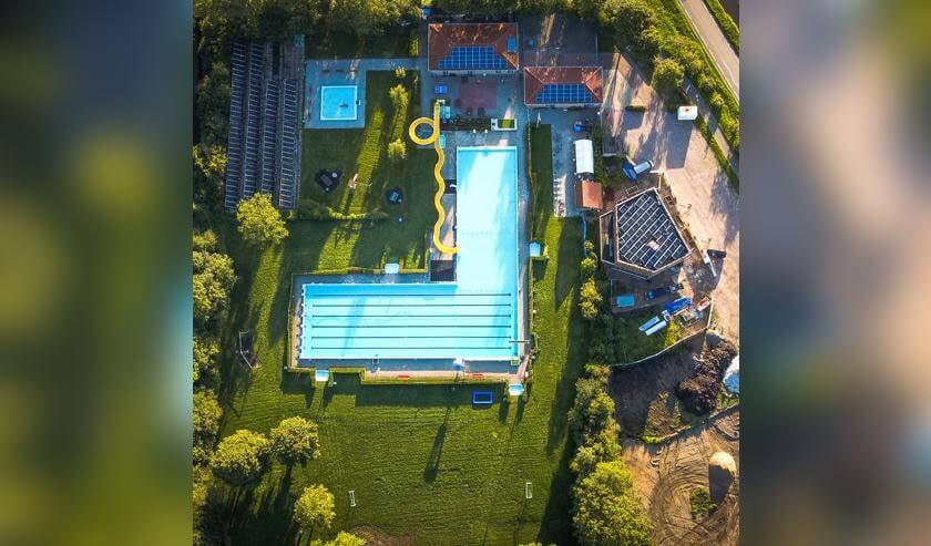 • Zwembad De Doetse Kom in Giessenburg.