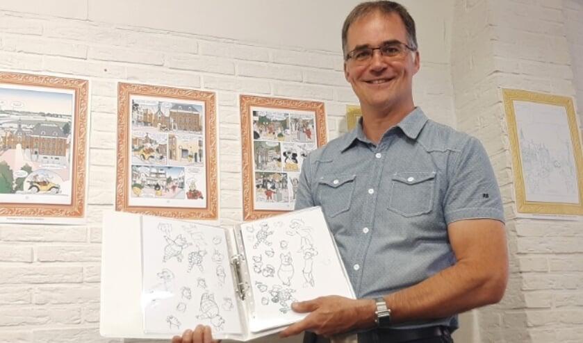 De Tielse striptekenaar Arie van Vliet laat in de expositie zien hoe zijn Flipje-ontwerpen tot stand komen (foto: Corien Remijn)