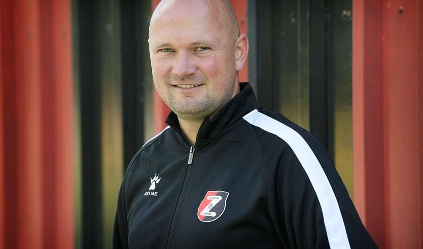 <p>&bull; De nieuwe trainer van De Zwerver: Joery van der Waal.</p>