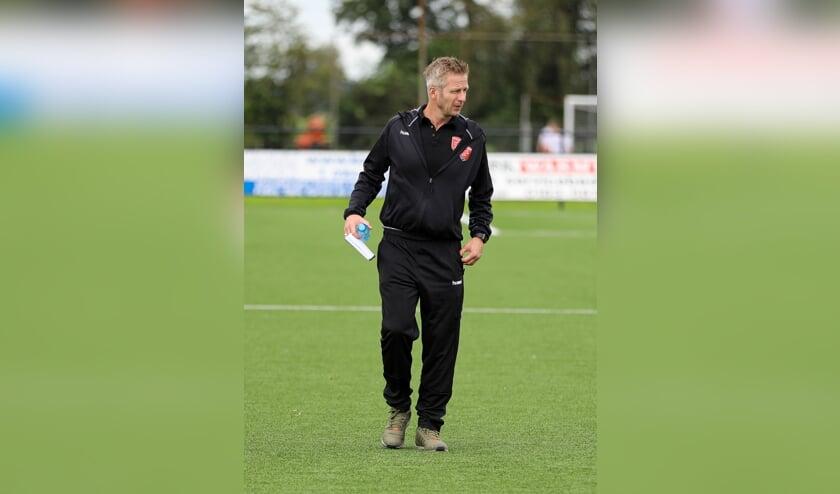<p>• Peursum-trainer John den Dunnen</p>