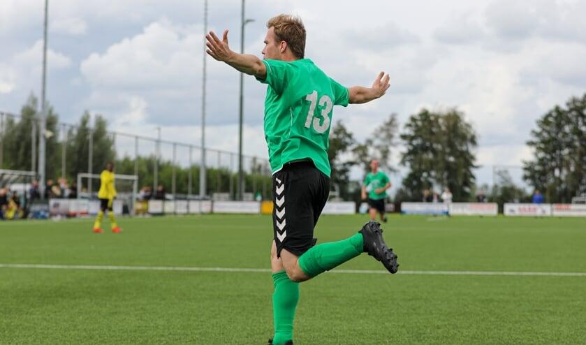 <p>• Ruud den Ouden heeft SV Noordeloos op 1-0 gezet tegen Groot-Ammers.</p>