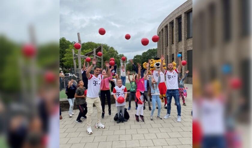 • Spelers van FC Utrecht zijn te gast in Vianen.