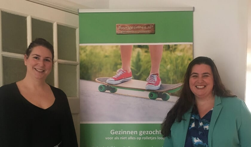 <p>Lianne de Keizer (links) en Judith Lorier (rechts) zijn de co&ouml;rdinatoren van Buurtgezinnen Molenlanden en Papendrecht.</p>