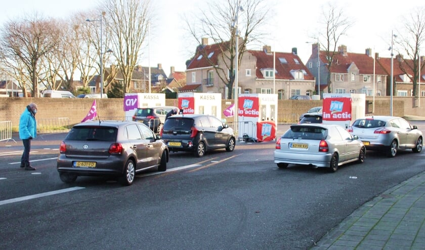 <p>&bull; In januari was er een staakstraat in Alblasserdam, op dinsdag 6 april zal die opgesteld worden bij Fokker in Papendrecht.</p>