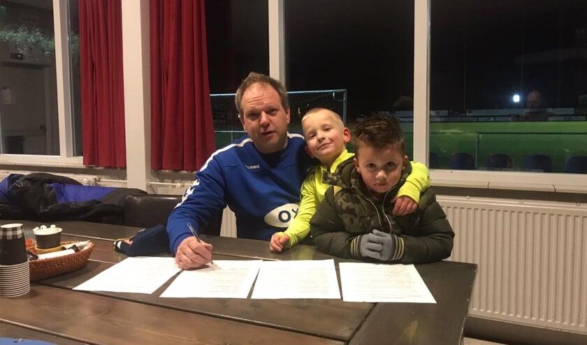 <p>• André Verbeek tekent voor twee seizoenen bij bij Ophemert.</p>