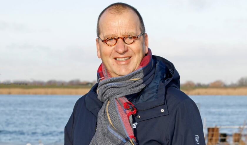 <p>&bull; Burgemeester Theo Segers.</p>