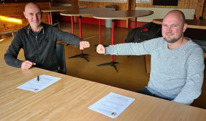 <p>• Joery van der Waal verlengt zijn contract bij De Zwerver.</p>