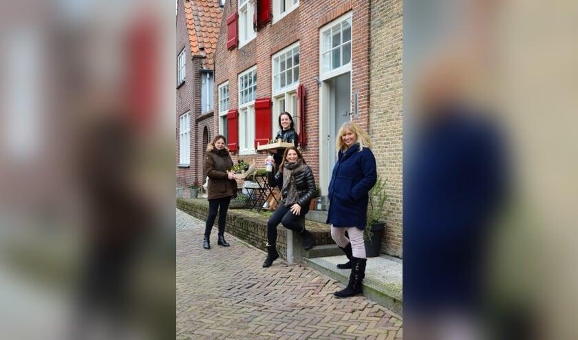 • De dames van de Binnenhaven 5-13 in Nieuwpoort.