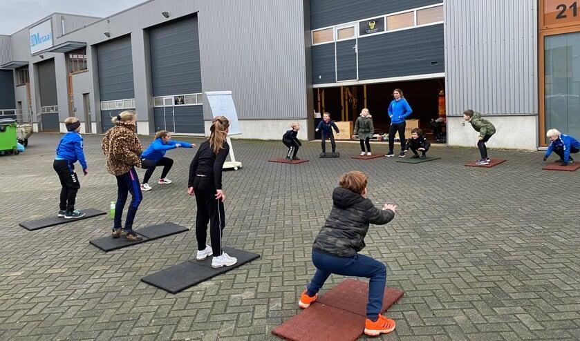 <p>Sportcoaches Nina en Kendra bij Crossfit Nieuwendijk.</p>