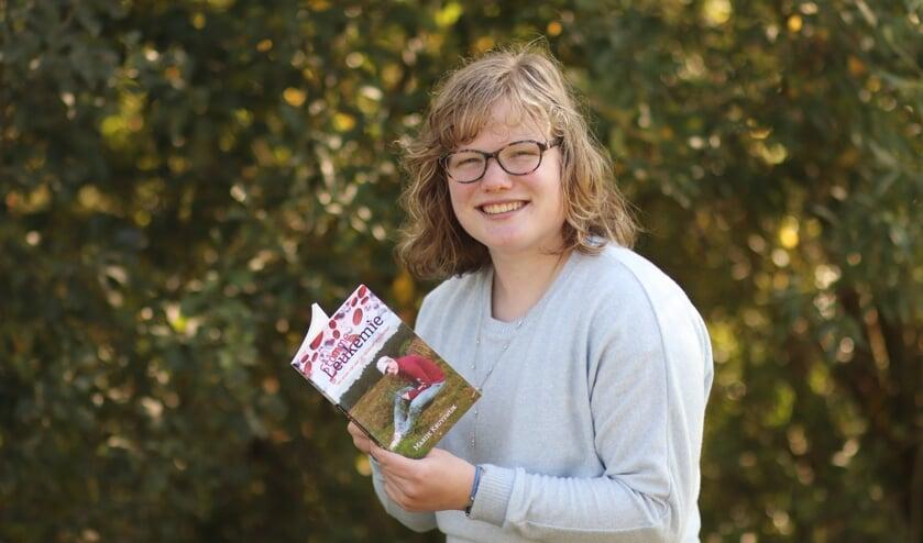 <p>&bull; Met haar boek wil Marije Kruyswijk anderen een inkijkje geven in het leven van een kankerpati&euml;nt.</p>