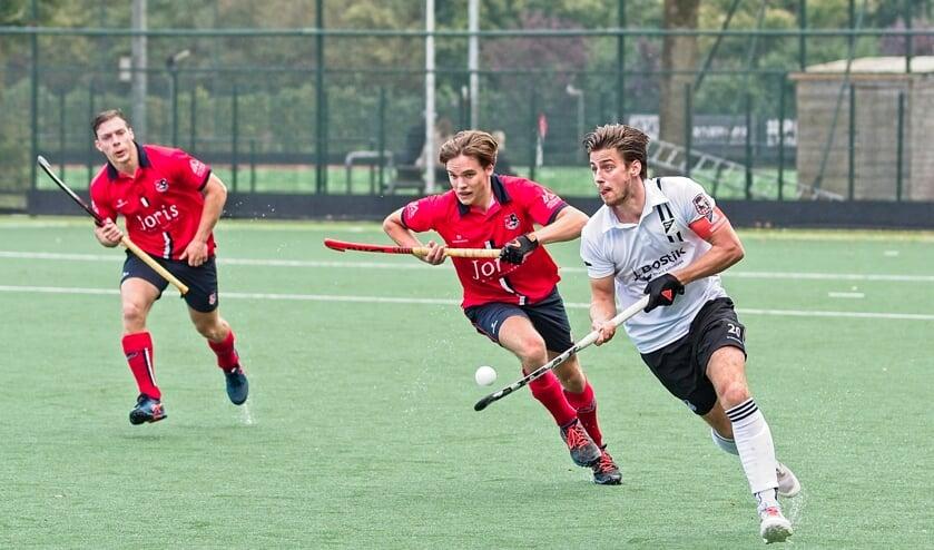 <p>De heren van IJsseloever behaalden met de 2-2 tegen Zwart-Wit na vijf wedstrijden hun eerste punt.&nbsp;</p>