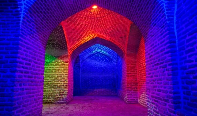 <p>Tijdens VONK exposeren meer dan twintig licht- en videokunstenaars uit de regio en de rest van het land met hun werken op Fort bij &lsquo;t Hemeltje. </p>