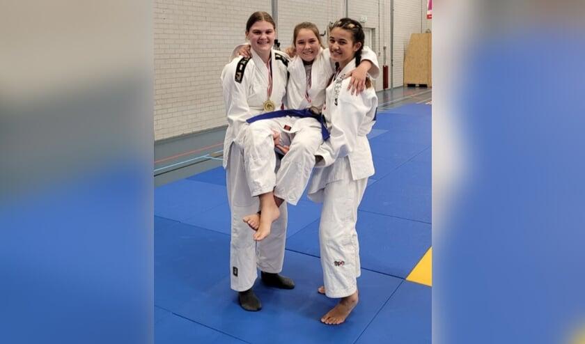 Drie meiden plaatsten zich voor het NK.