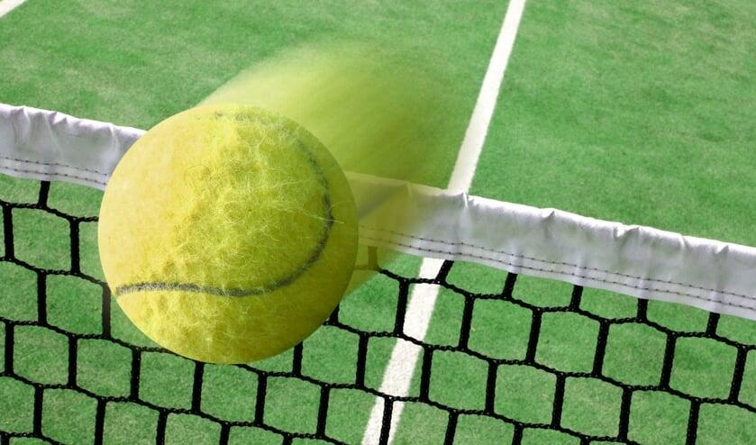 <p>Belangstellenden kunnen deelnemen aan tennis of padel. </p>