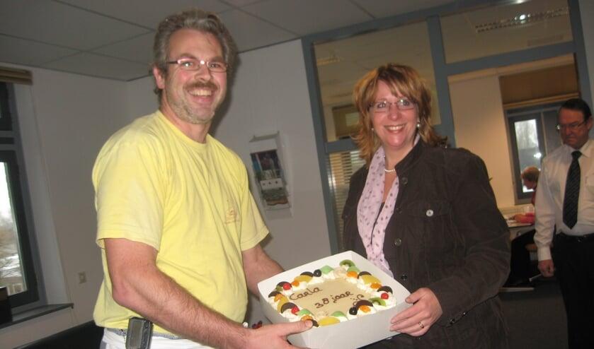 <p>Bakker Maar van den Steenhoven schonk jaren gelden een taart aan de jarige burgemeester Carla Breuer.</p>