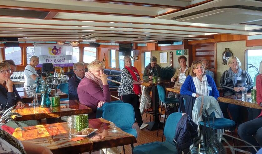 • Vrijwilligers van Inloophuis De IJssel tijdens het uitje.