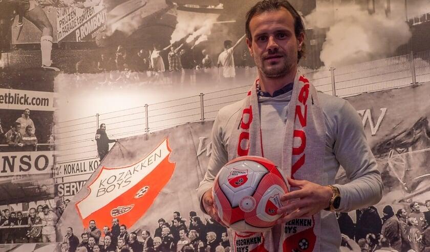 <p>• Lars Hutten is volgend seizoen speler van Kozakken Boys.</p>