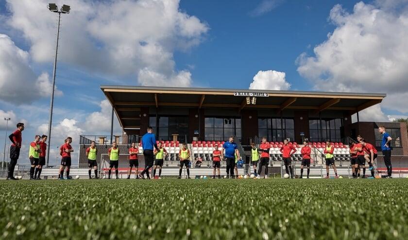 <p>• De selectie van Nivo Sparta blijft volgend seizoen intact.</p>