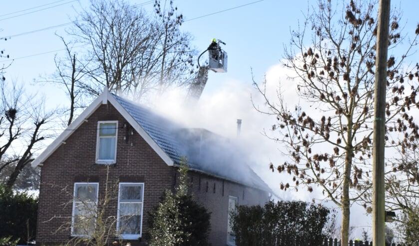 <p>• Bij de zolderbrand kwam veel rook vrij.</p>