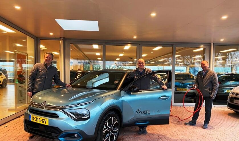 <p>• Gerard Molenaar, Peter Feleus en Piet Broere van Autobedrijf Broere.</p>