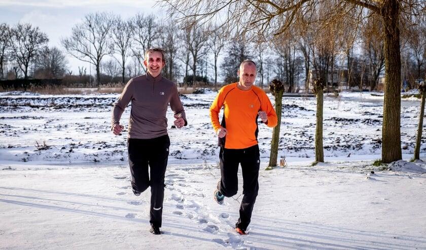 <p>• René Kleijnendorst en Johan de Rooij dagen mede-hardlopers uit.</p>