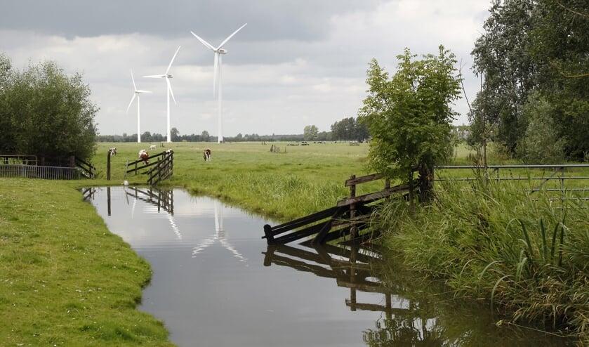 <p>&bull; De huidige windmolens bij bedrijventerrein De Copen in Lpik.</p>