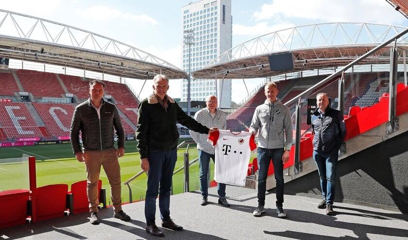 <p>• De samenwerking tussen Lekvogels en FC Utrecht werd beklonken in De Galgenwaard.</p>