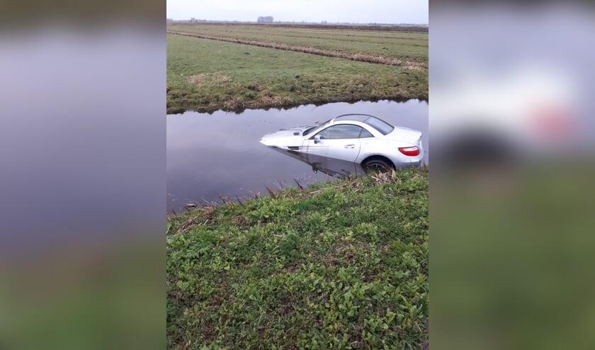 • De automobilist belandde met zijn voertuig in een sloot langs de N210.