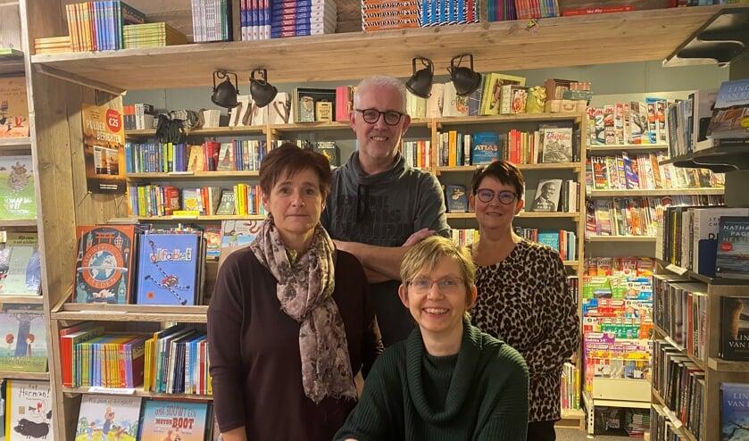 <p>• De teamfoto van Miek-Kado, met van links naar rechts Eida, Ruud en Annie en vooraan Mieke.</p>