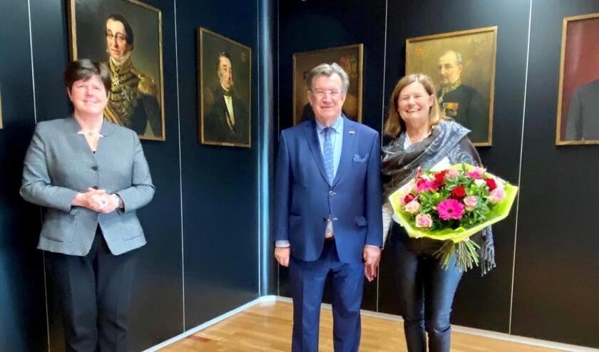 <p>Commissaris va de Koning Ina Adema en Henk en Lilian Hellegers.</p>