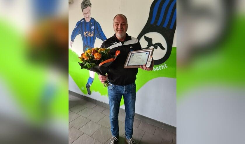 • Aart Zanen Lid van Verdienste van vv Bergambacht.
