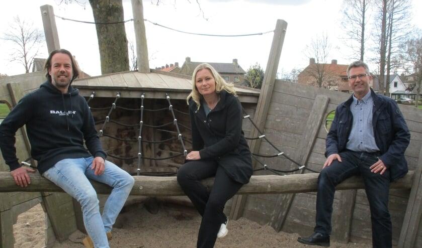<p>&bull; Thijs, Martine en Tiny, drie van de zeven leden van Stadsraad Asperen.</p>