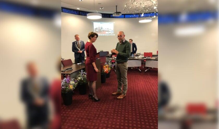 • Elisabeth van Zijl ontving dinsdag een lintje tijdens de raadsvergadering.